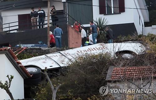 [글로벌포토]마데이라서 관광버스 추락해 28명 사망