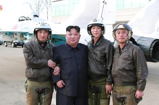 김정은, 공군이어 신형 전술유도무기 시험 지도…이틀 내내 군사 행보