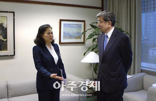 [포토] 유명희 통상교섭본부장, 나카오 다케히코 ADB 총재 면담