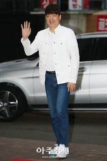 [포토] 열혈사제 종방연에 참석하는 배우 김형묵