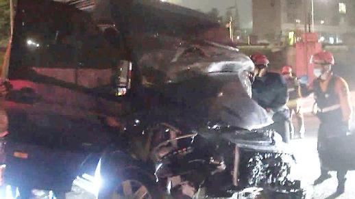 [포토] 머스트비 탑승 승합차 교통사고