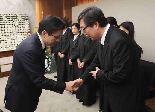 """황교안 """"김홍일 전 의원 뜻 잊지 않겠다"""""""