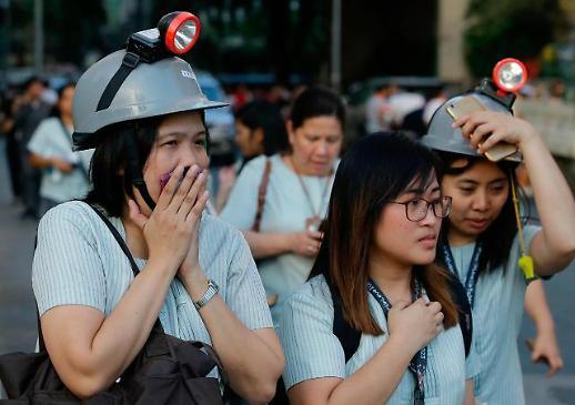 필리핀 규모 6.3 지진…빌딩이 흔들