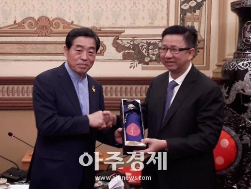윤화섭 안산시장 스마트시티·스마트팩토리 조성 박차 가하고 있다
