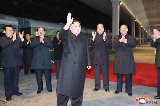 아버지의 길 따라 우군 찾아온 北 김정은…막오른 북·러 비핵화협상