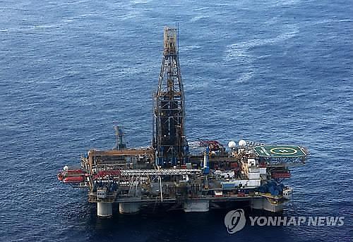 [국제유가] 美 원유재고 548만 배럴 증가...국제유가 혼조세 WTI 0.71%↓