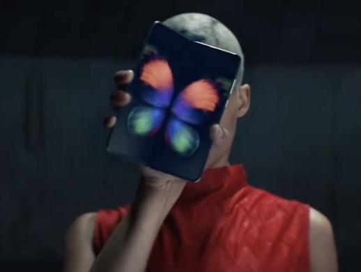 5G폰 고? 스톱?'…삼성・LG에 던져진 질문
