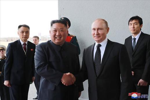 [북러 정상회담] 김정은 조선반도 평화, 美 차후 태도에 좌우…北매체 보도
