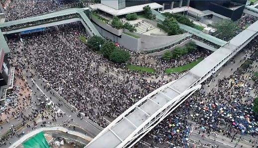 홍콩 범죄인 인도법..아시아 허브 지위 흔들 우려 고조