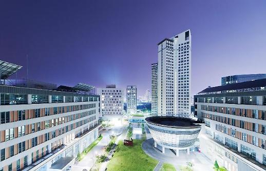 한국뉴욕주립대 FIT, 첫 졸업생 배출