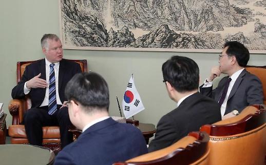 비건, 방한 일정 스타트…이도훈과 북미대화 재개방안 논의