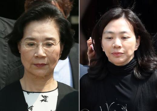 '필리핀 가정부 불법고용' 이명희·조현아 모녀 1심 집유…구형량 가중