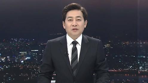 유아인, 과거 몰카논란 김성준 전 앵커에 일침 SBS 기자인지 앵무새인지…성찰하길