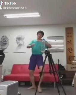 [#SNS★] 기안84, 병뚜껑 챌린지 왜?…박나래·이시언 탄식