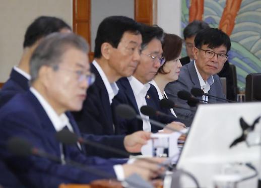 세지는 일본發 경제 보복…머리 맞대는 文대통령·與원내대표단