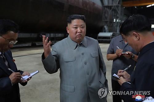 비핵화 실무회담 미루고 군사행보 보인 김정은…북한의 새 접근법?