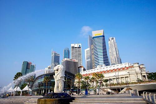 불안한 홍콩머니, 안전 찾아 싱가포르行