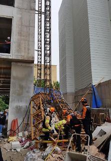 속초 서희건설 아파트 공사장서 엘리베이터 추락…3명 사망