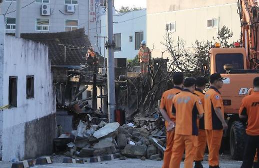 [포토] 전주 여인숙 화재로 3명 사망
