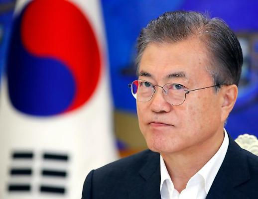 [포토] 문재인 대통령, 생각 중