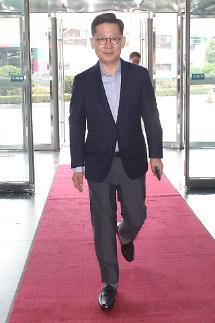 김현수 농식품부 장관 후보자 쌀 대북 지원, 여건 고려해 확대 여부 검토