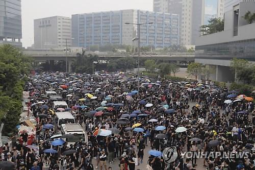홍콩 시위 주말에도 계속...中리커창 홍콩 정부 노력 지지