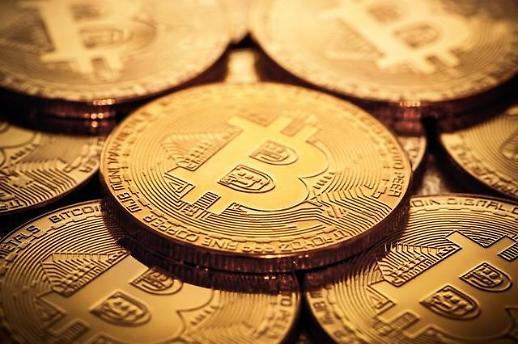 암호화폐, 금융자산 아니다…비트코인 15% 폭락