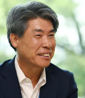 윤종원 전 경제수석, 차기 수출입은행장으로 급부상