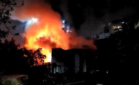서울 인사동 주점 화재… 소방관 등 5명 부상