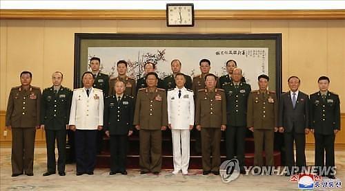 북중 군 수뇌부 평양서 만나…친선수호는 양국 군대의 숭고한 의무