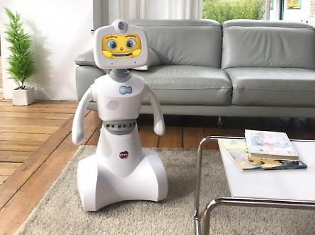 한컴그룹, AI 홈 서비스 로봇 '토키' 출시... 영상통화에 어학 콘텐츠까지