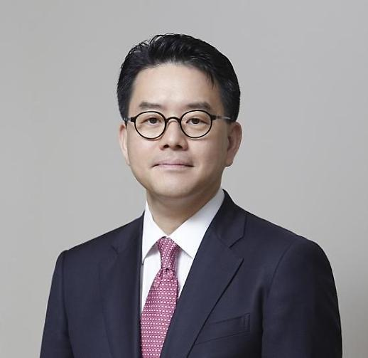 이마트 신임 대표에 강희석...26년만에 첫 외부인사 영입