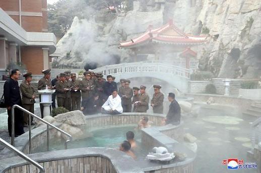 김정은, 양덕군 온천관광지구 현지지도…관광산업 육성 의지 드러내