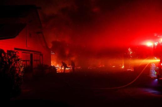 [글로벌포토]美 캘리포니아 산불 엿새째… LA 초호화 부촌까지 위협