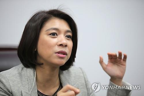 '다문화 1호' 이자스민 전 의원, 정의당 입당