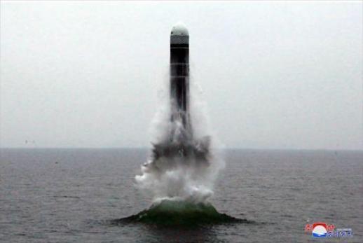 북한 고체연료 ICBM 완성 여부 눈길