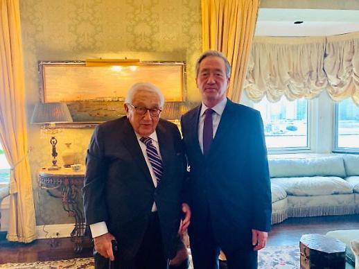정몽준, 키신저 전 美 국무장관 면담…미중 관계·북핵 해법 의견 교환