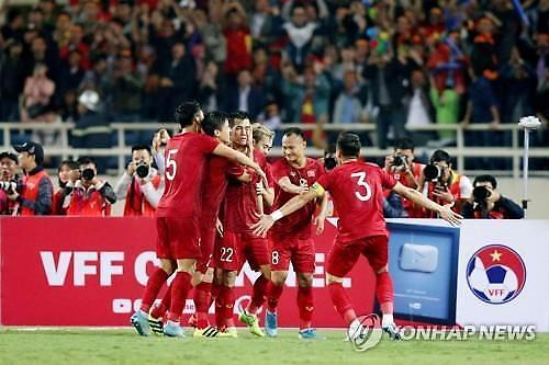 [포토] 승리 만끽하는 베트남 축구 대표팀