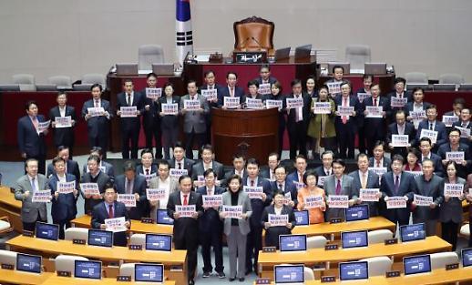한국당 '기습 필리버스터' 변수…패스트트랙 법안 처리 '안갯 속'(종합)