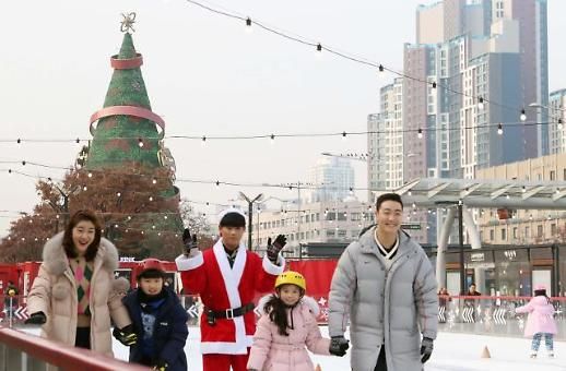 """""""다가오는 크리스마스, 도심 속 야외 아이스링크장 어떠세요"""""""