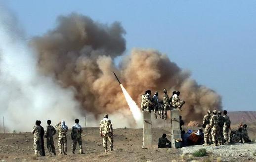 [포토] 이란, 이라크 미군기지에 미사일 수십발 발사