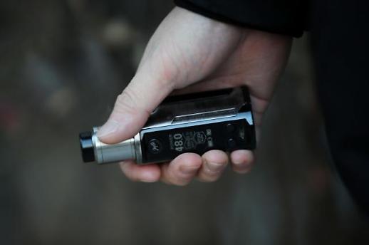 쥴·릴 베이퍼 퇴출 위기…액상형 전자담배 판매량 90% 뚝