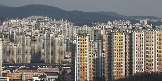 불안한 부동산 시장…금리 인하 땐 전세까지 풍선효과