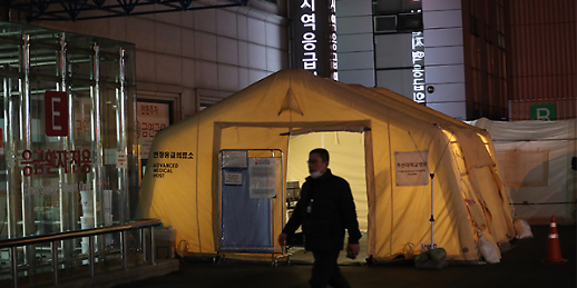 [코로나19] 이송 후 사망 긴장감 흐르는 부산대학교병원