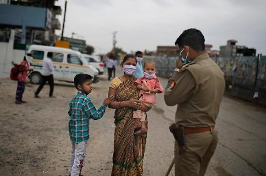 [포토] 무자비한 인도의 공권력
