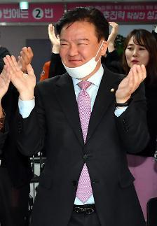 [포토] 흥겨운 민경욱