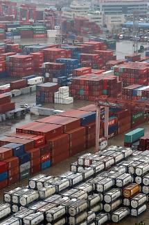 4월 들어 수출 26.9% 급감… 승용차·부품·석유제품 타격