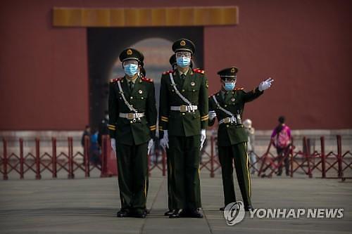 美정부, 중국, 의료용품 비축 위해 코로나19 심각성 숨겼다
