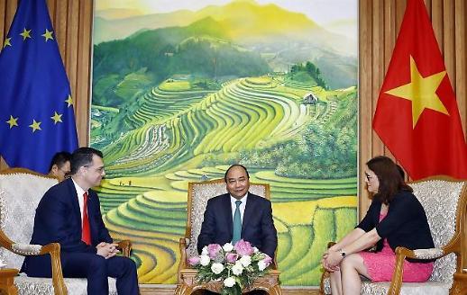 베트남, 쿼드·무역협정비준 달고 기지개 다시편다