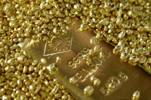 들썩이는 금값, 상승세 쭉쭉